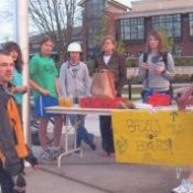 Bike spirit catches on at Lake Oswego High School