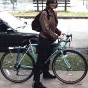 Thief grabs bike from woman at MAX stop