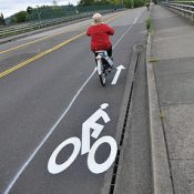 East Burnside gets new bike lanes over I-205