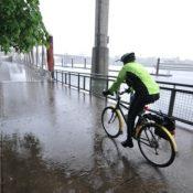 Photos: High water on the Willamette near Eastbank Esplanade