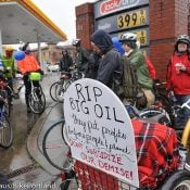 PDX Bike Swarm pumps up awareness at 'Tour de Petro'