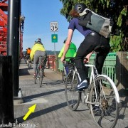 With pole moved, bike traffic breathes easier on Broadway Bridge