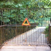 Eastmoreland property owner blocks public access via Springwater Trail