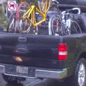 Duo arrested after loading stolen bikes into pickup near SE Hawthorne Blvd.