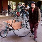 Portlanders display need for tweed at annual ride