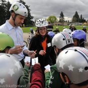 Former NFL quarterback inspires fifth-graders to ride safely