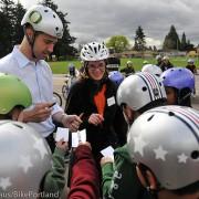 Former NFL quarterback inspires fifth-graders to ride safely