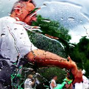 The Monday Roundup: The distorting power of windshields & more