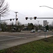 Eyes on the Street: New signal for Fanno Creek path at Hall Blvd