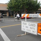 Safety advocates win on Clinton: city installs barricades during Division detour