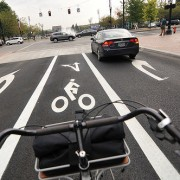 New bike lane on SW Salmon improves bike access to Naito Parkway