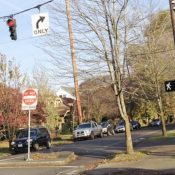 Ask BikePortland: Can I go when the walk sign turns green?