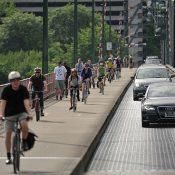 Hawthorne Bridge bike trips up just 0.4% in 2014