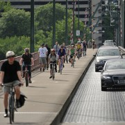 Hawthorne Bridge bike trips up just 0.4% in 2014