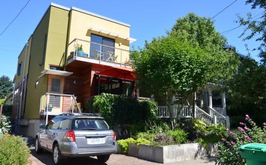 310 se 27th ave not enough parking built 2007