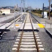 """Citing safety concerns, TriMet wants """"swing gates"""" at inner southeast MAX crossings"""