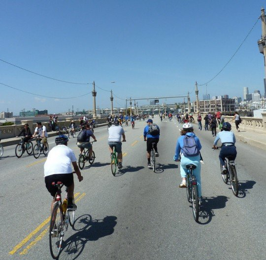 ciclavia bridge