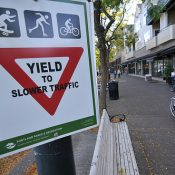 Group proposes bicycling barrier on Willamette Greenway Trail through Riverplace