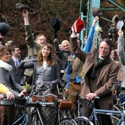 Weekend Event Guide: Biking class, Bike Swap, circuit race, Tweed Run, and more