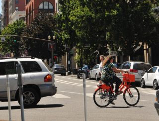 People are warming up to bike share in Portland.(Photo: J. Maus/BikePortland)