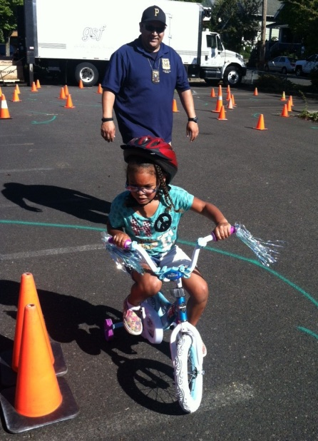 police-Ofc_Romero_Bike_Rodeo_young_girl