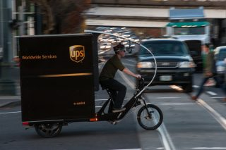 The UPS e-bike in action.(Photos: Mark Gamba for Truck Trike)