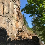 Rock slide on Rowena Curves closes Historic Highway for up to 3 weeks