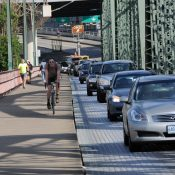 Bike commuting growth slips and Portland adds 11,000 more commutes by car