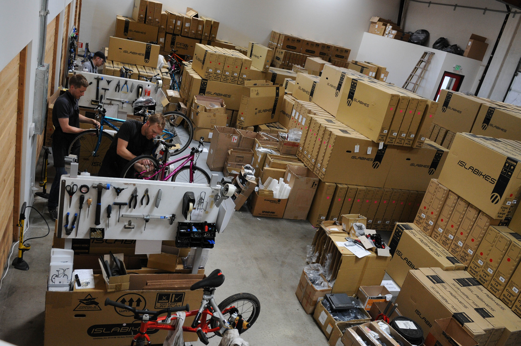 Islabikes to close US headquarters office and warehouse in Portland -  BikePortland org