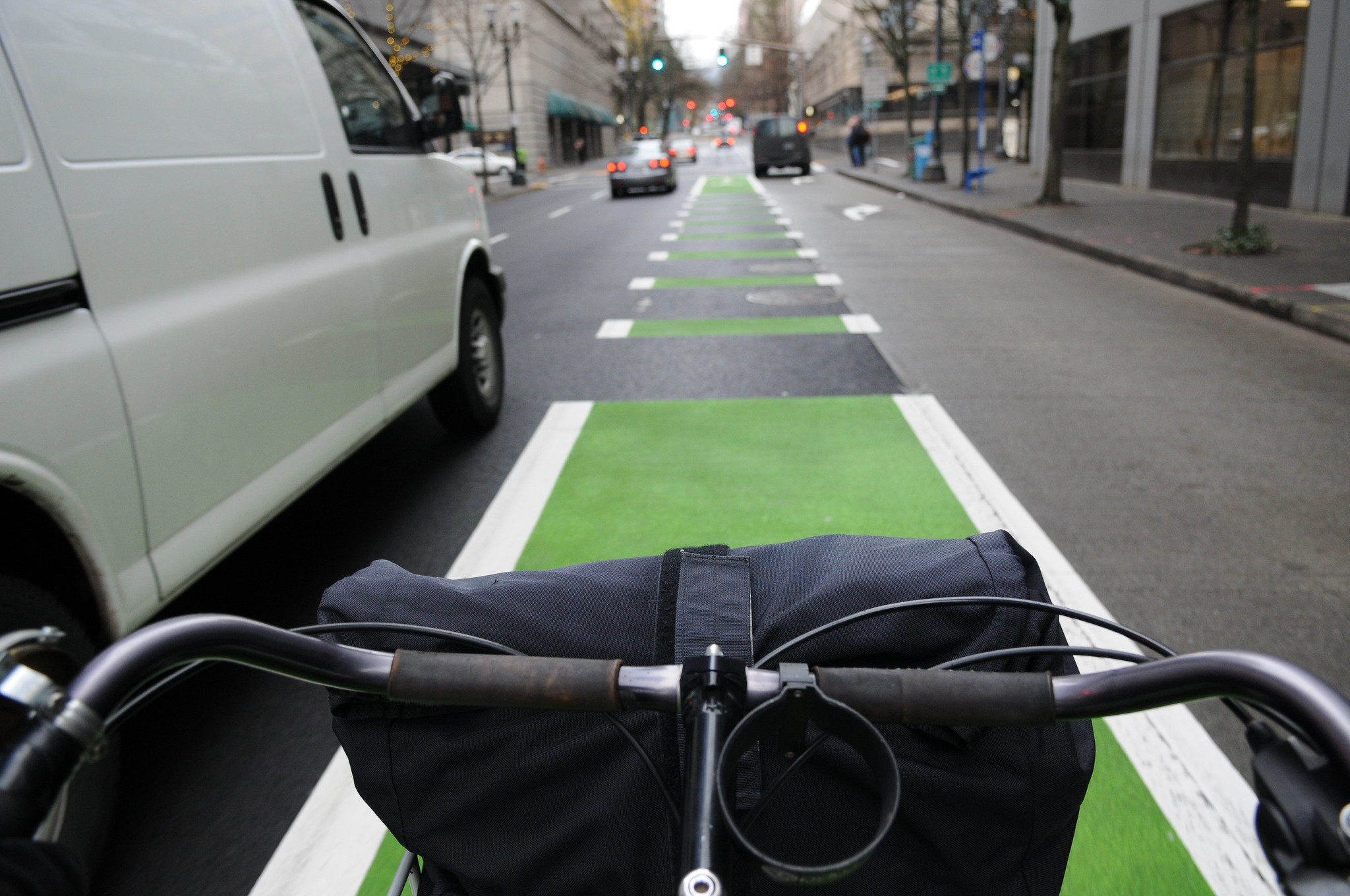 Oregon Court of Appeals upholds bicycle riders' right to pass on the right