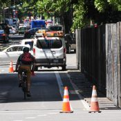 PBOT defends bike lane, says federal wall on SW Main is illegal and must be removed