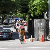 Feds erect wall on city-owned street, blocking travel lane on SW Main