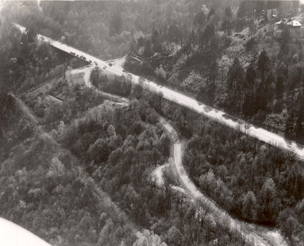 Archival photo of Slavin Road and Barbur Boulevard, looking SW. (Photo: Public Works Administration)