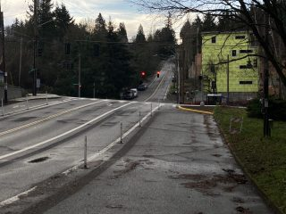 Looking south from SW Dosch Rd at Beaverton-Hillsdale Hwy. The curb extension blocks what was a right-turn lane.