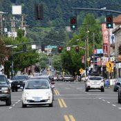 106 businesses sign letter asking for protected bike lanes on Hawthorne Blvd